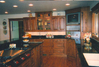 Gourmet classic style kitchen
